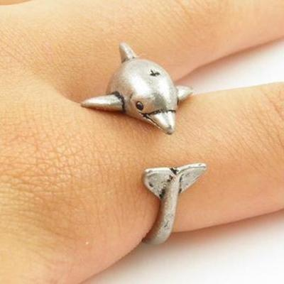 Retro Adjustable Dolphin Animal Wrap Ring