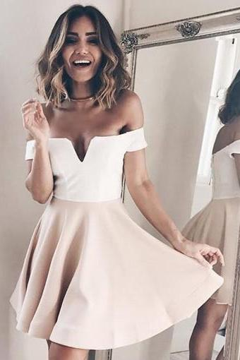 Pearl Pink Off Shoulder Short Sleeve Sweetheart Pleated Homecoming Dresses