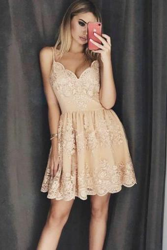 Champagne Lace V-neck Spaghetti Straps Homecoming Dresses with Applique