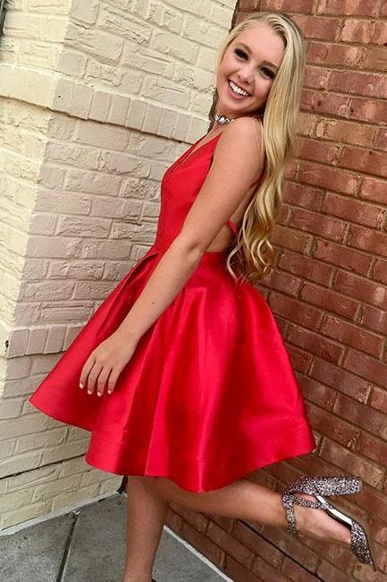 Red Straps V-neck Backless Stain Pleated Short Homecoming Dresses